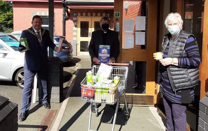 The Mayor of Wellington, Cllr Paul Davis, was delighted to donate to the Methodist Church food bank